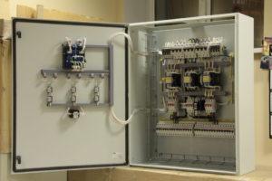 Ящики автоматического ввода резерва